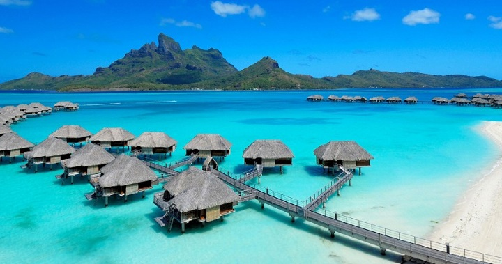 Top 10 Celebrity Vacation Spots Top 10 Celebrity Vacation Spots Four Seasons Resort Bora Bora 10 e1398101729959