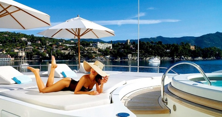 10 Sexy Yachts To Impress Any Woman 10 Sexy Yachts To Impress Any Woman 963878 471525186256942 1597840240 o