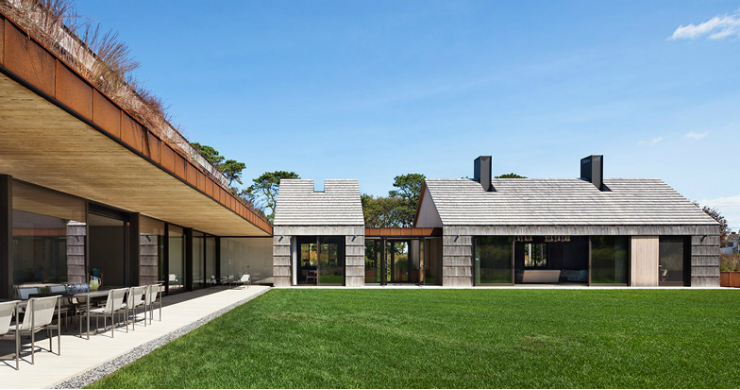Bates Masi Architects Shingle-clad house mimics Long Island potato barns Bates Masi Architects Shingle-clad house mimics Long Island potato barns 014