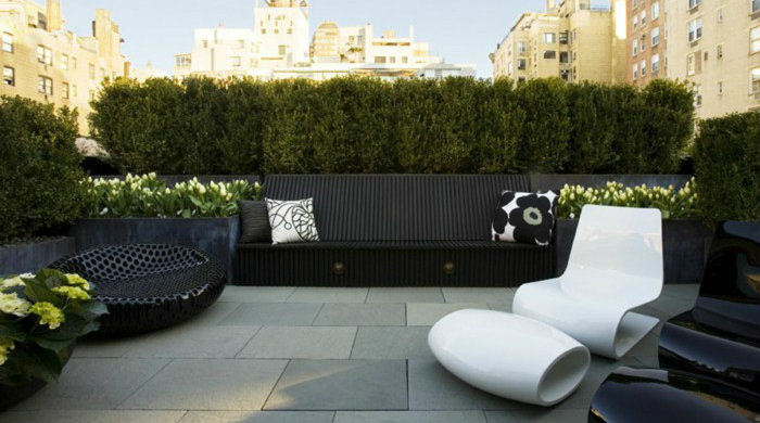 01 modern-terrace-design-unusual-chair-white-black outdoor decoration ideas Amazing outdoor decoration ideas for you to dream about 01 modern terrace design unusual chair white black