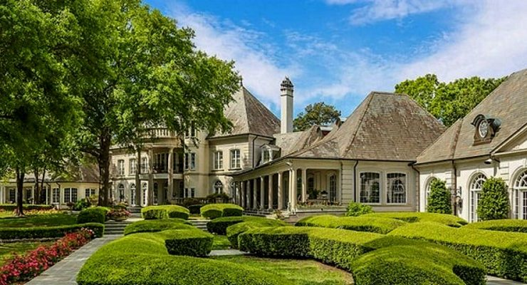 This French Style Residential Design Is Texas Most Famous Estate