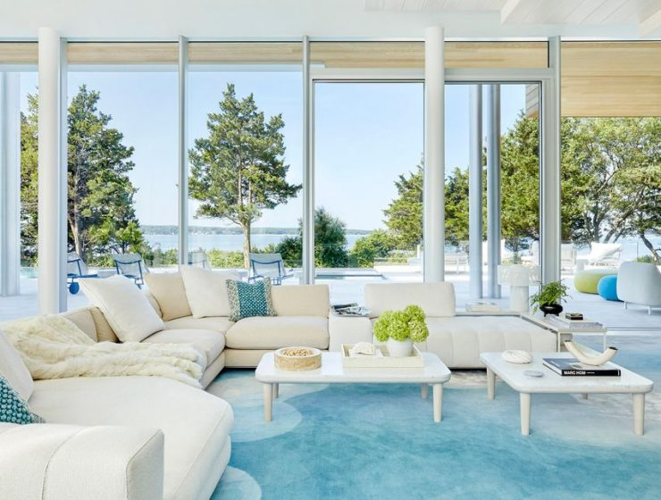 daun curry Daun Curry Designed A Mesmerizing Hamptons Glass Mansion! Daun Curry Designed A Mesmerizing Hamptons Glass Mansion2 740x560