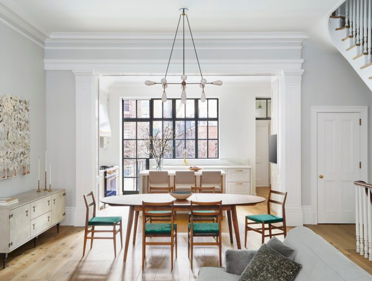 modern mid century Discover The Modern Mid Century Decor On This NYC Townhouse! Discover The Modern Mid Century Decor On This NYC Townhouse2 740x560