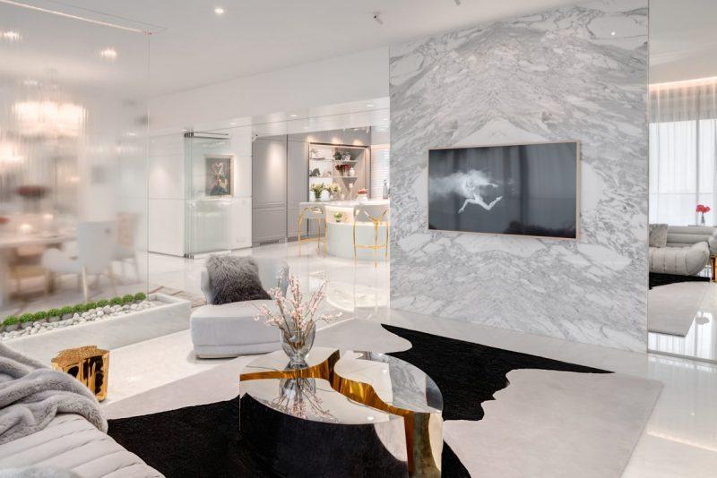 vratika & nakul Luxurious White and Gold Open Space by Vratika & Nakul Luxurious White and Gold Open Space by Vratika Nakul 8 e1616508743508